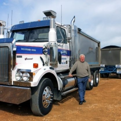 15 Bell Don With His Favourite Western Star